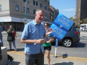 Back Home, Bill de Blasio Stumps For an Assembly Contender